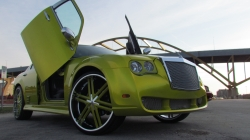niko300s 2005 Chrysler 300
