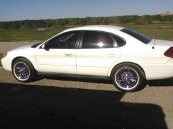 delvalle70 2006 Ford Taurus