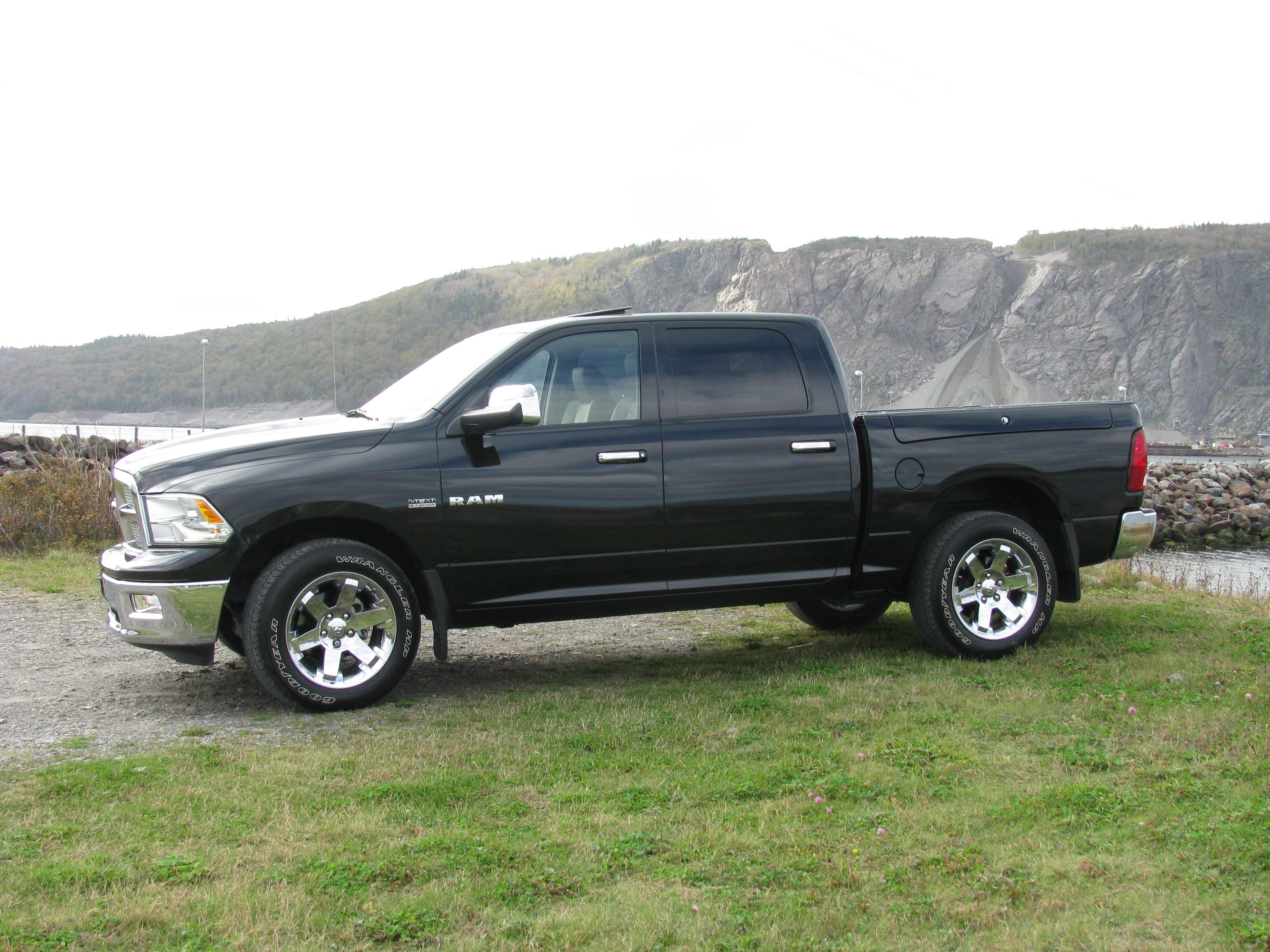 powertrain69 2010 dodge ram 1500 crew cablaramie specs photos modification info at cardomain. Black Bedroom Furniture Sets. Home Design Ideas
