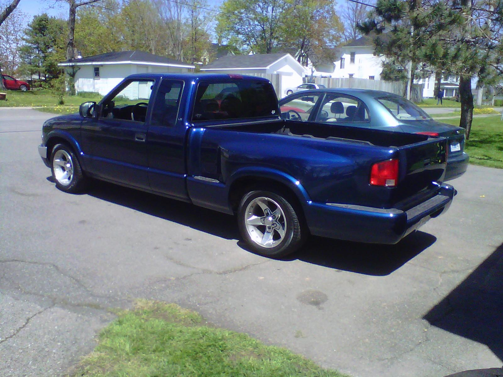 escort9901 2001 chevrolet s10 extended cabpickup specs photos modification info at cardomain. Black Bedroom Furniture Sets. Home Design Ideas