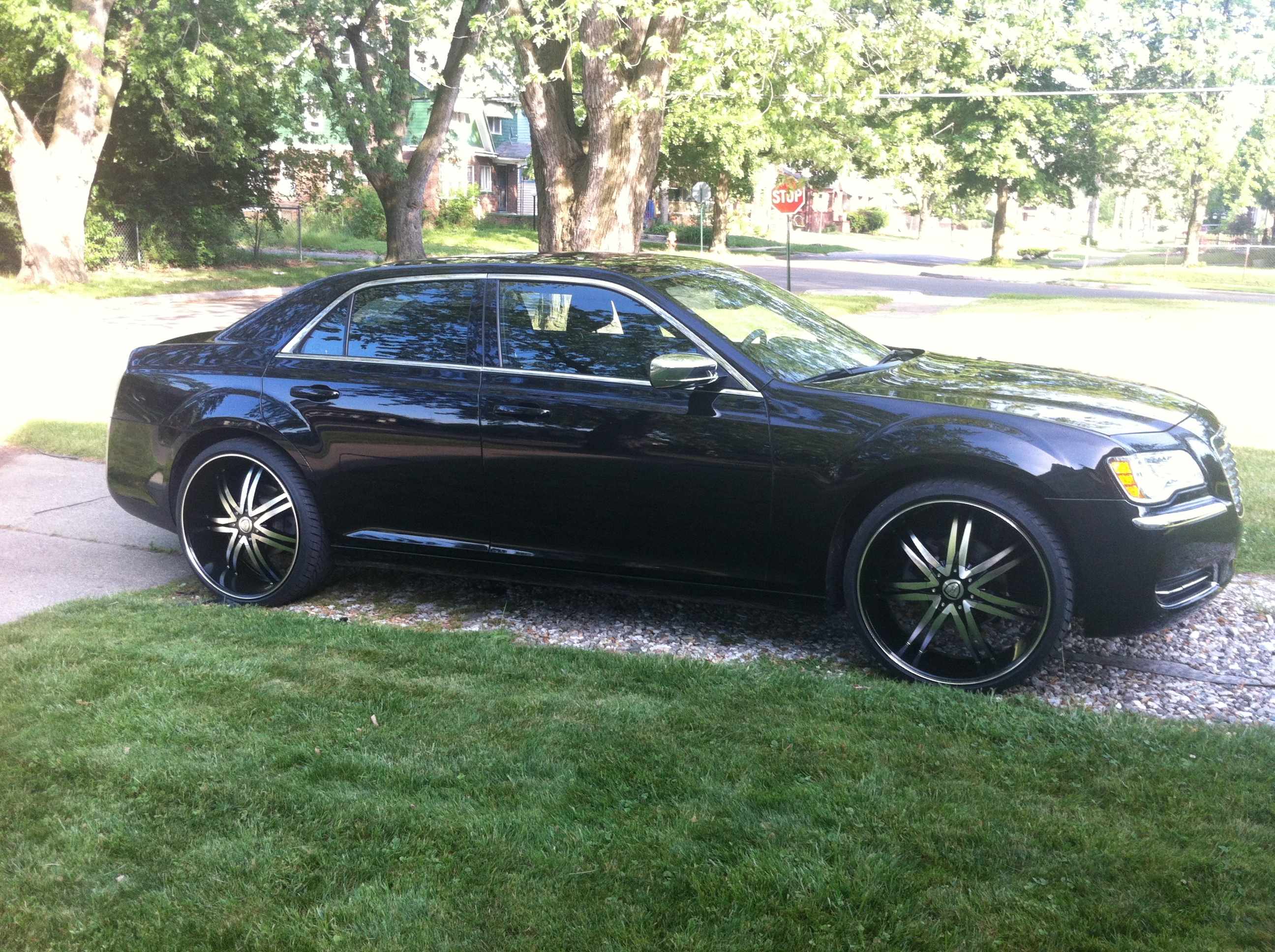 Another blackan3 2011 Chrysler 300 post... - 15817578