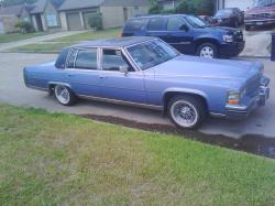 MoCity_Supermans 1984 Cadillac Fleetwood