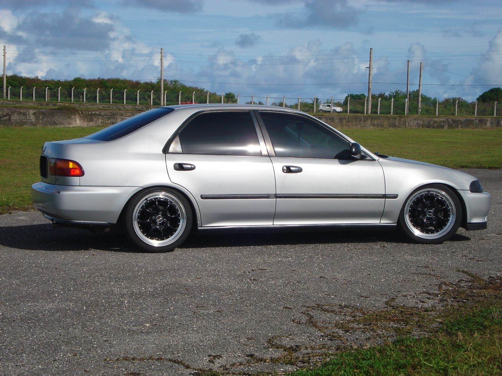 fotten gaga 1995 honda civicdx sedan 4d specs photos modification info at cardomain. Black Bedroom Furniture Sets. Home Design Ideas