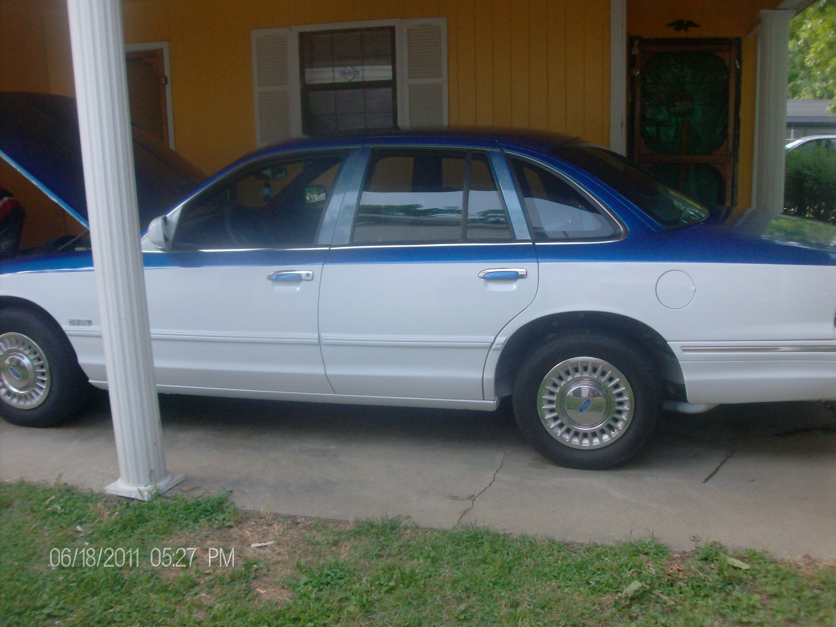 Crenshaw85's 1997 Ford Crown Victoria