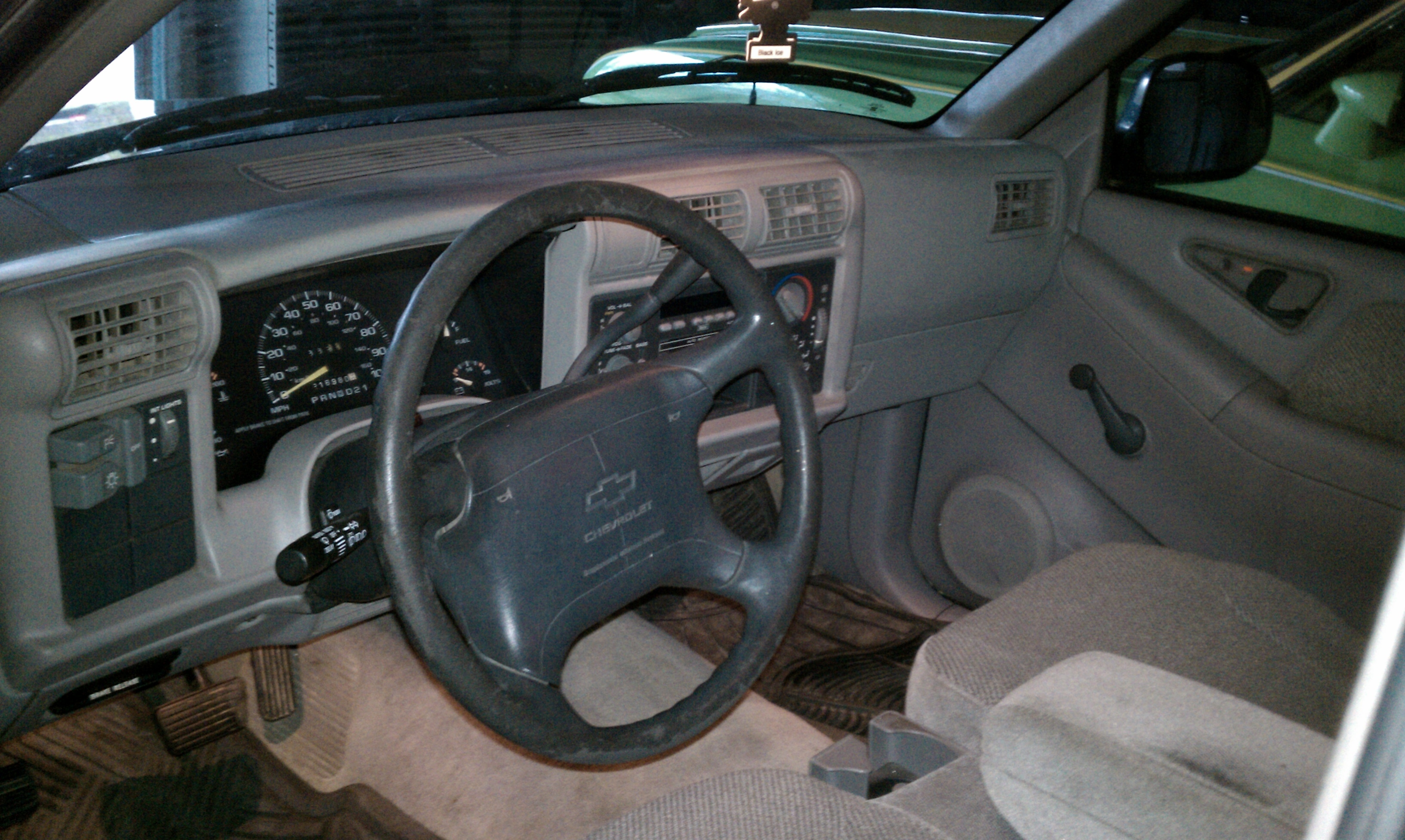 Another 1984SHIT 1996 Chevrolet S10 Regular Cab post... - 15179749
