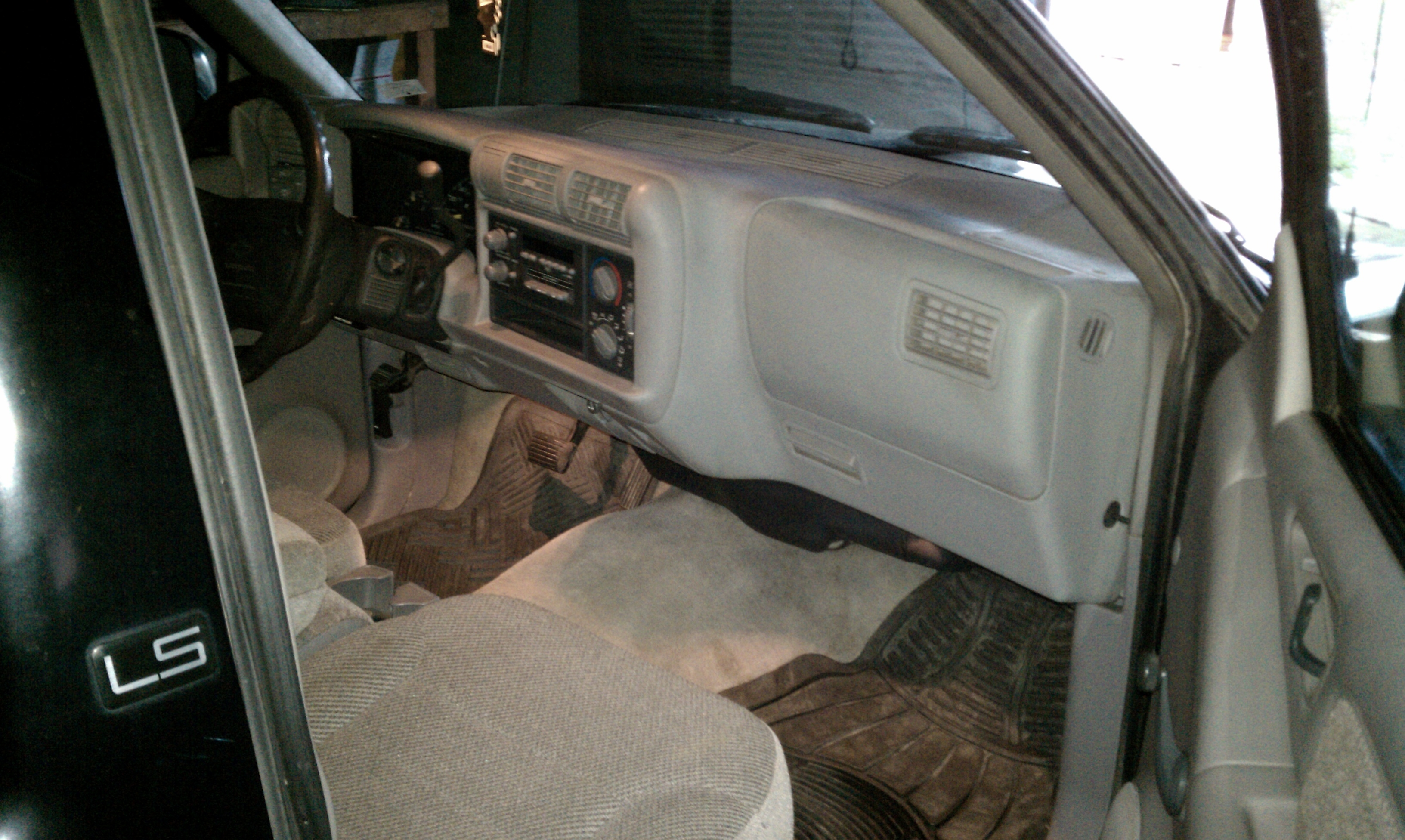 Another 1984SHIT 1996 Chevrolet S10 Regular Cab post... - 15179750