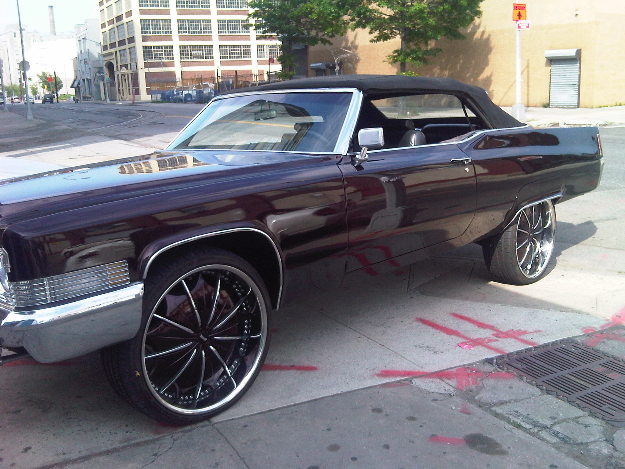 Another cusos 1970 Cadillac DeVille post... - 15183080