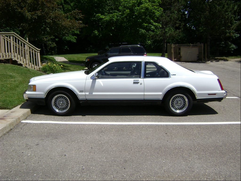 1990 Lincoln LSC for Sale http://www.cardomain.com/ride/3927549/1990-lincoln-mark-vii-lsc-sedan-2d/