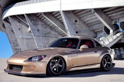JUNIQUEs 2005 Honda S2000