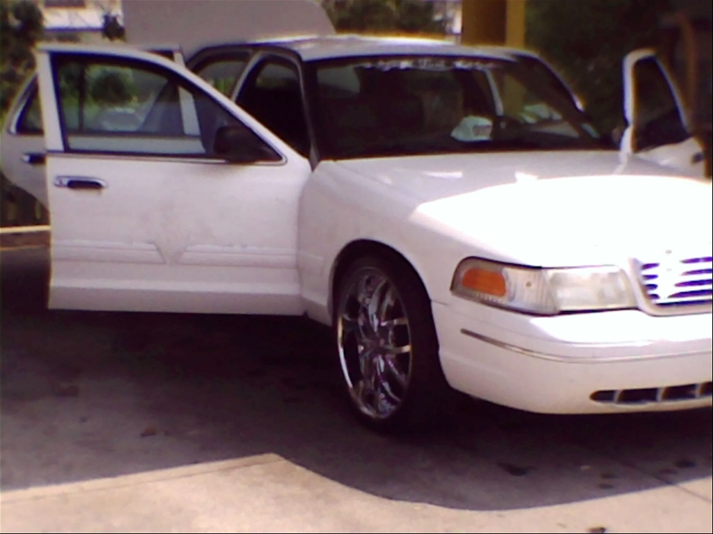 Another MrInterceptor 2003 Ford Crown Victoria post... - 15191708