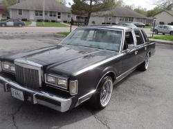 BIGMOE32 1985 Lincoln Town Car