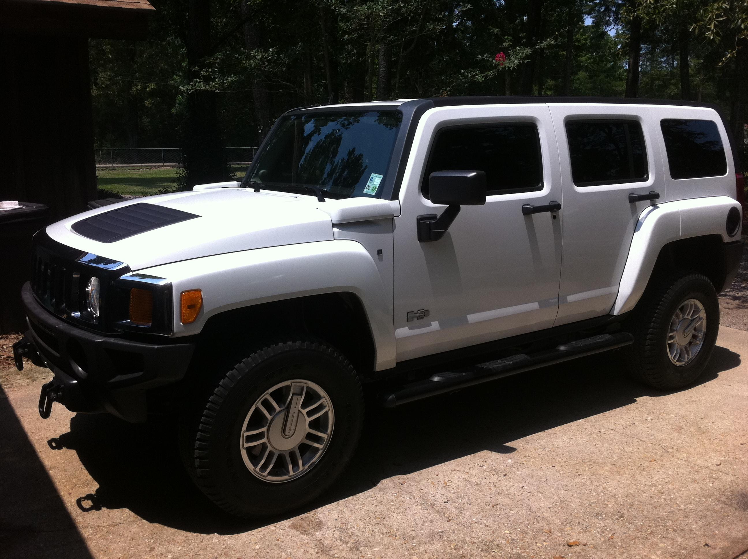 2007whiteeh3 39 s 2007 hummer h3 in greenwell springs la. Black Bedroom Furniture Sets. Home Design Ideas