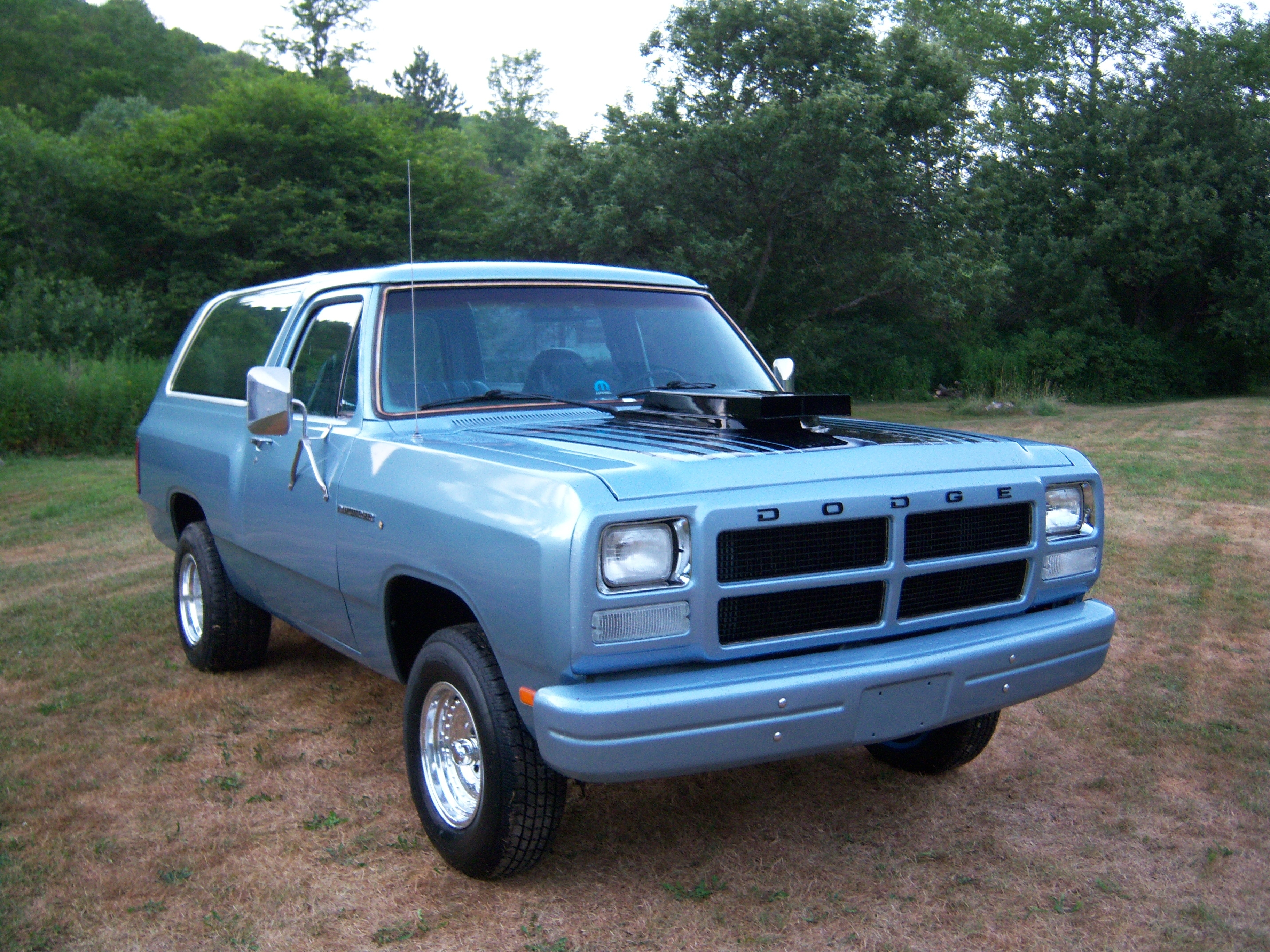 full gainsville suv america in sale pinterest north classifieds ga ads for size ramcharger pin dodge craigslist owner on by