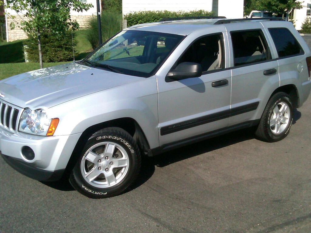 cleancherokee 2005 jeep grand cherokeelaredo sport utility. Black Bedroom Furniture Sets. Home Design Ideas