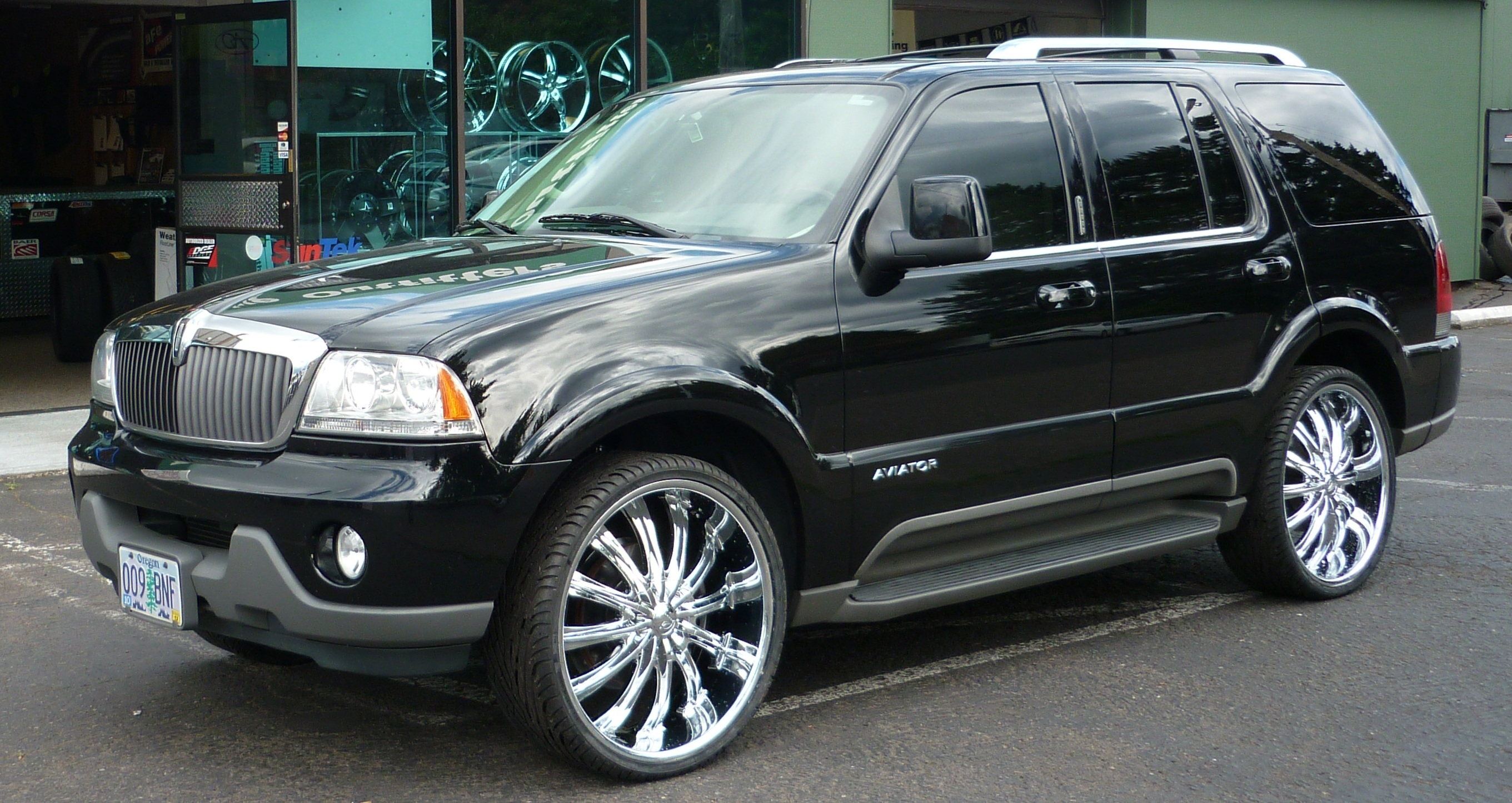Baylee503's 2004 Lincoln Aviator Luxury Sport Utility 4D in