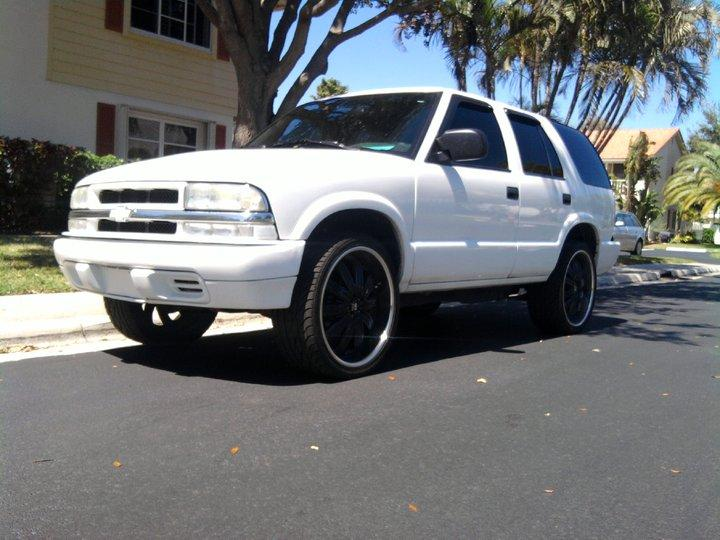 Skirtinon22z 2004 Chevrolet Blazer