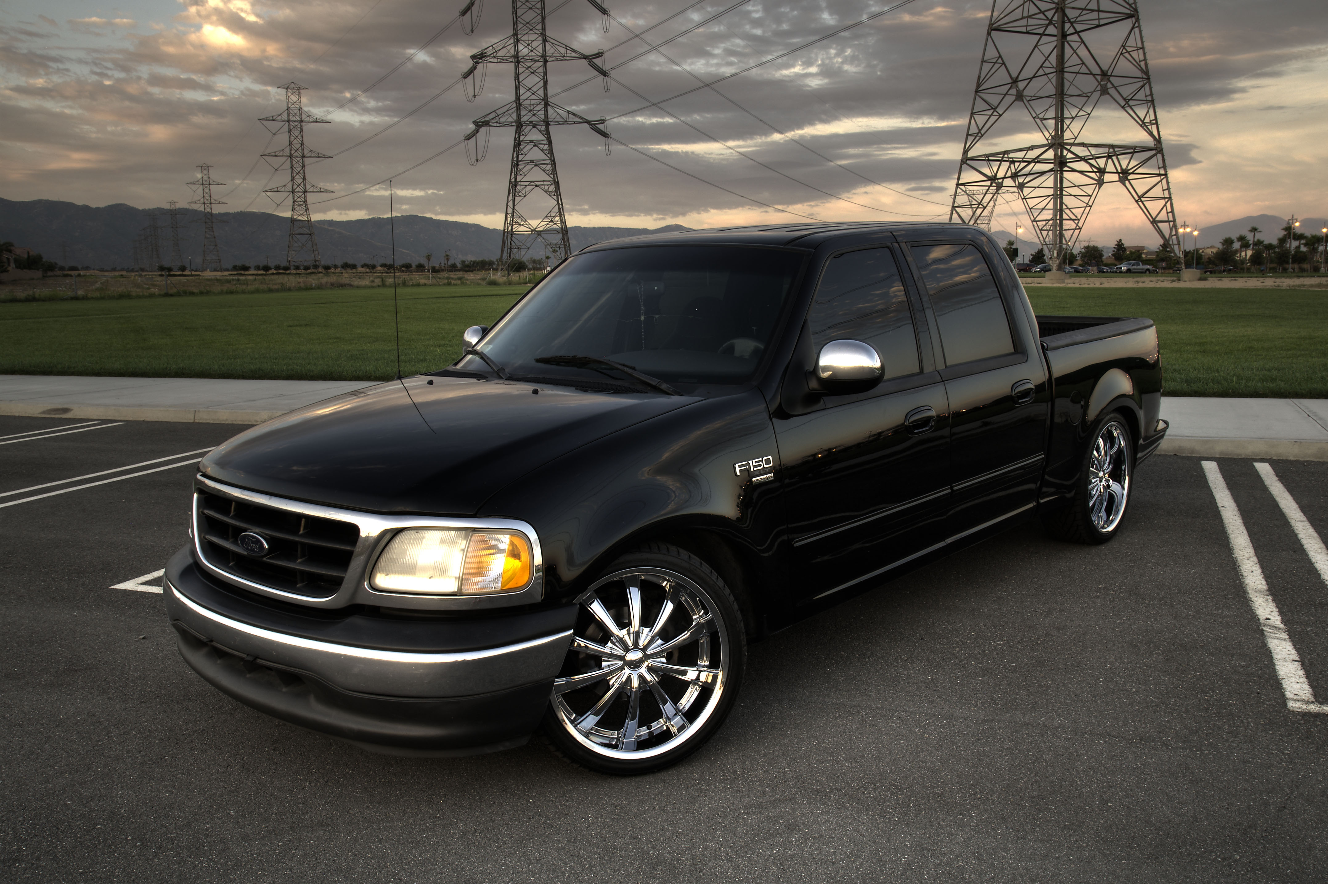 Ford Lightning Specs >> bocholoco 2001 Ford F150 SuperCrew CabShort Bed 4D Specs, Photos, Modification Info at CarDomain