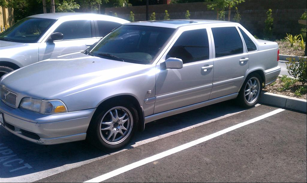 Large on 2000 Volvo S70 Se