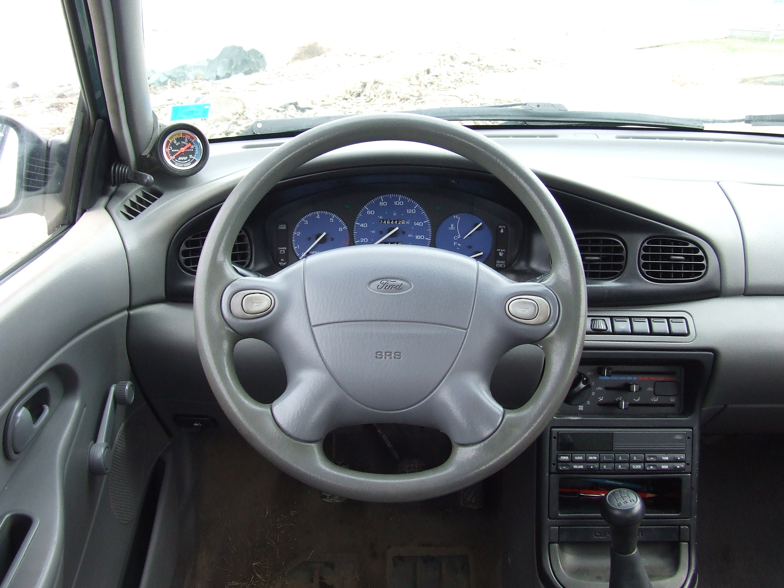 96554 1996 Ford Aspire
