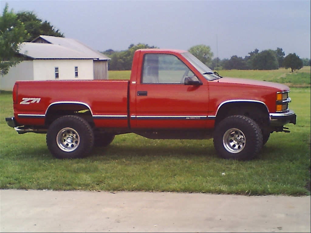 3in body lift with 33 12 5 goodyear duratrac tires on 15in wheels
