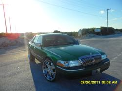 MRGREENMERC 2004 Mercury Grand Marquis