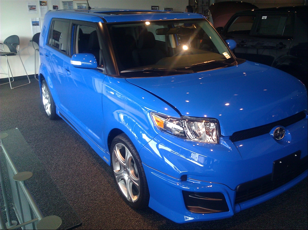 LELE_boy's 2011 Scion xB