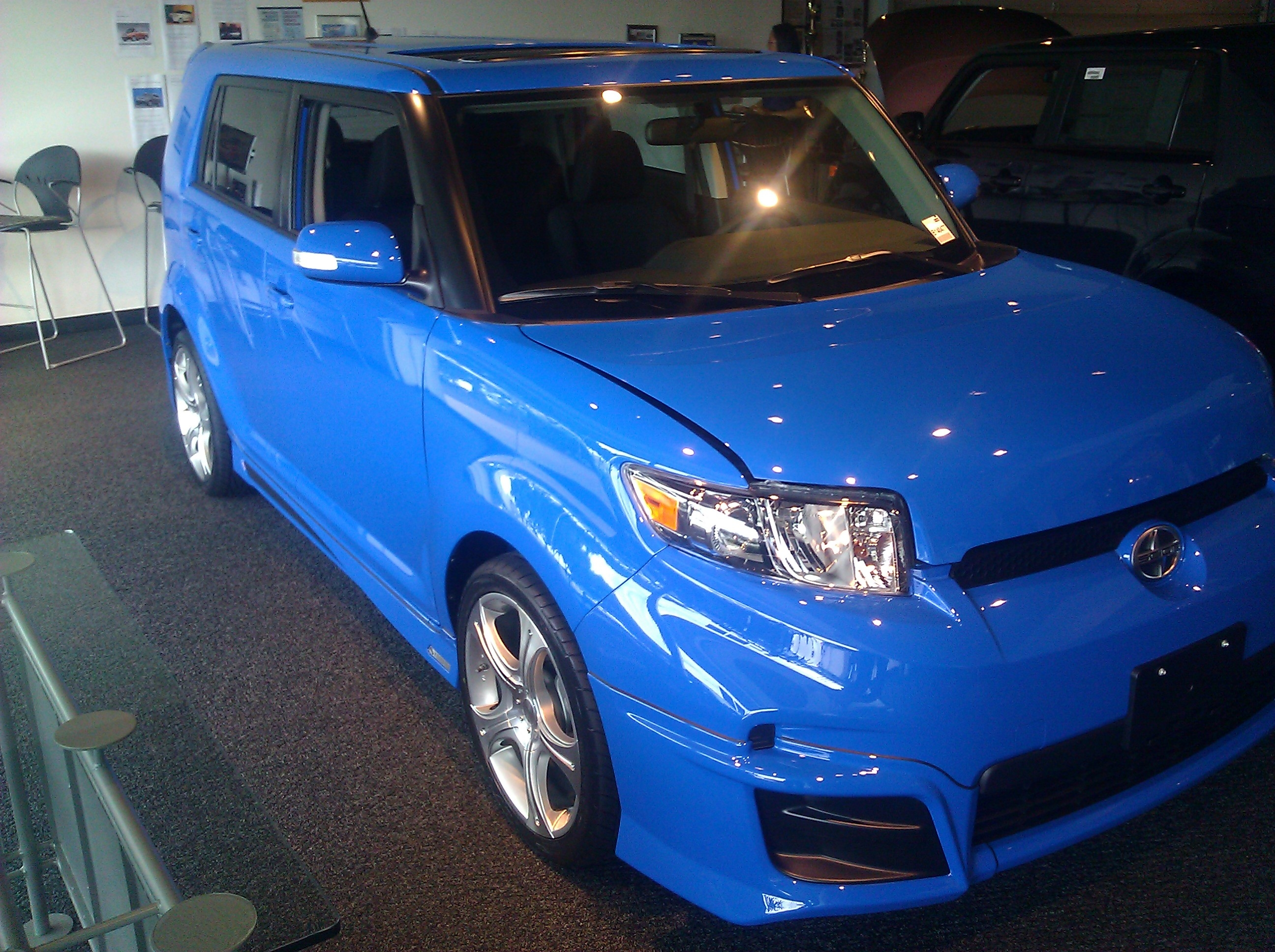 LELE_boy 2011 Scion xB 18895749