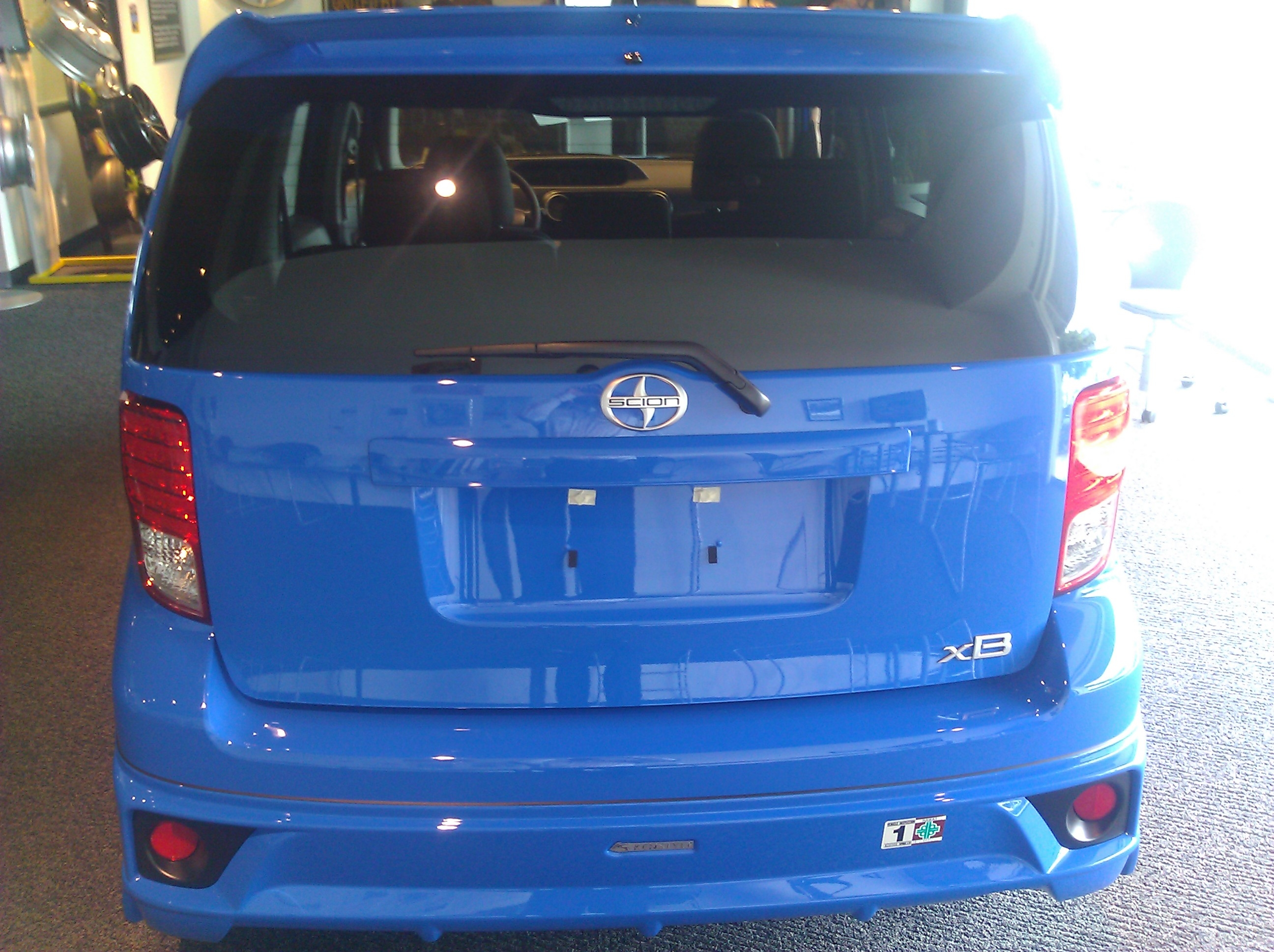 LELE_boy 2011 Scion xB 18895791