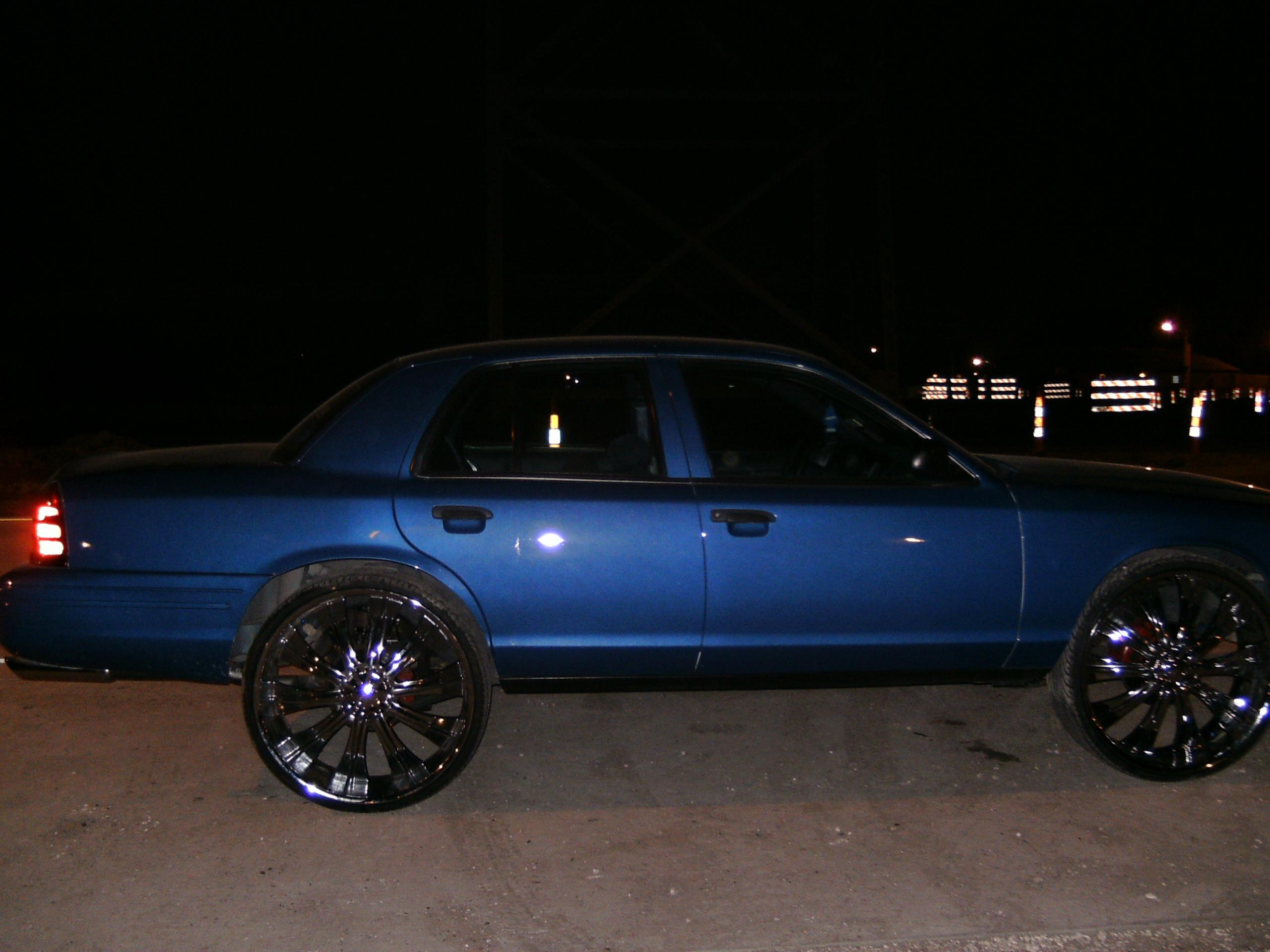 BOSS504's 2003 Ford Crown Victoria