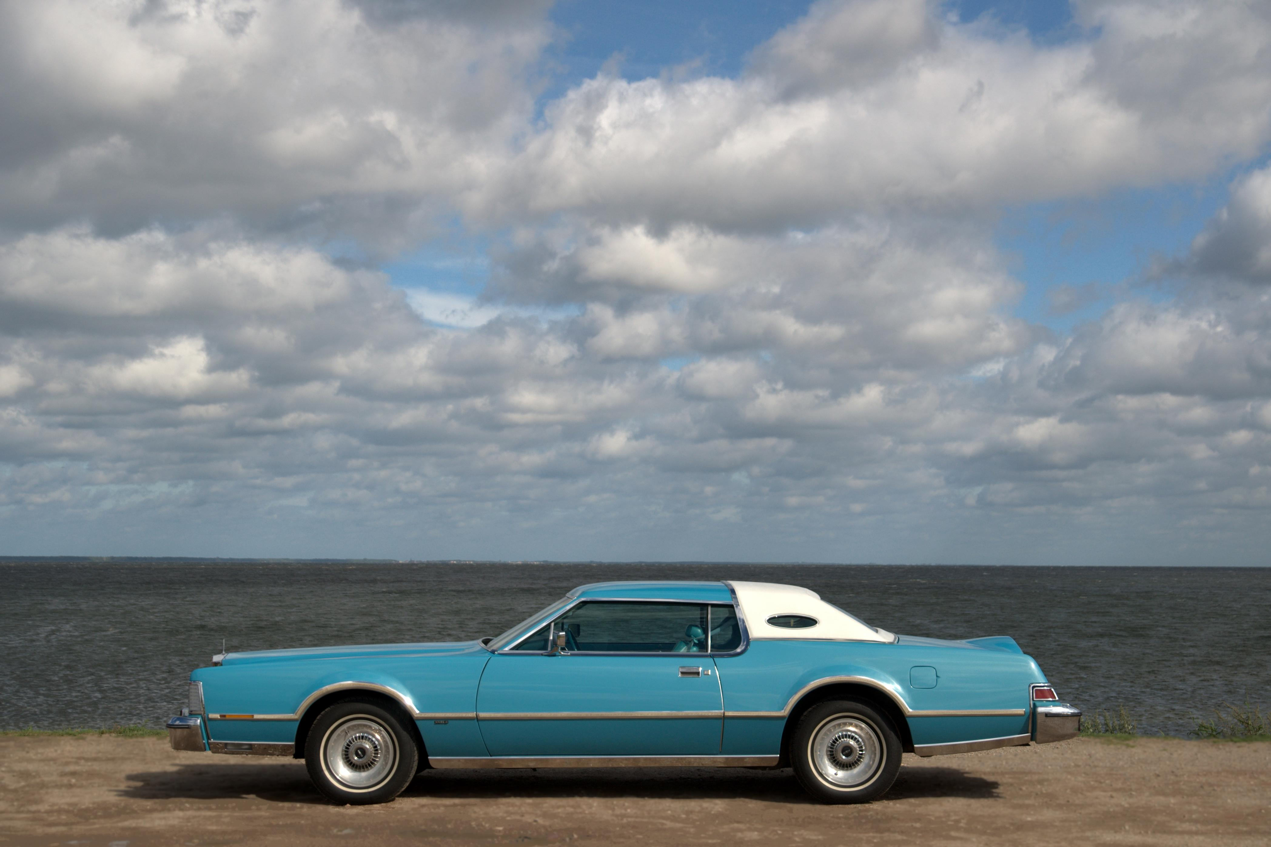 lincoln_givenchy's 1976 Lincoln Mark IV