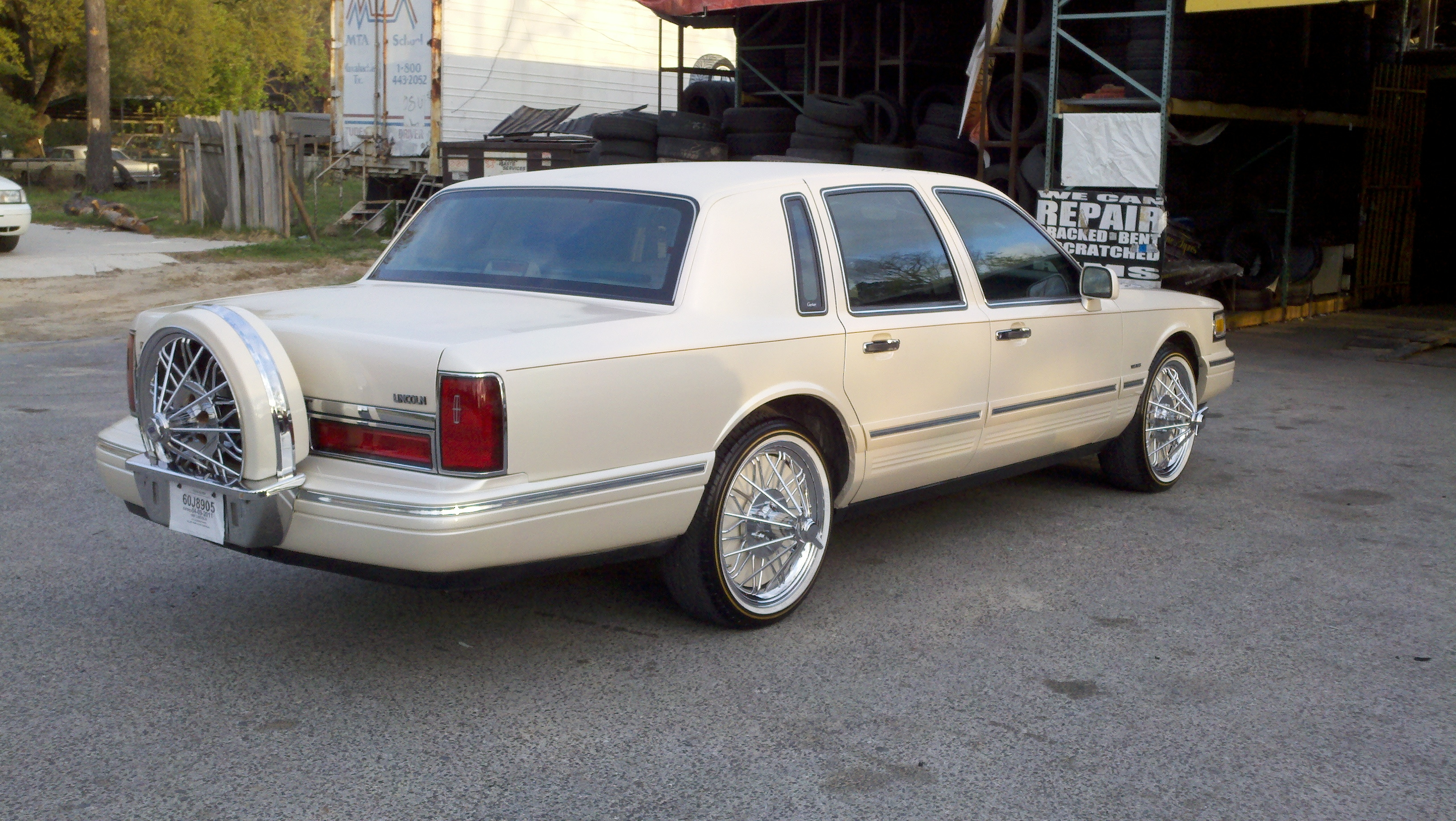 Original on 1997 Lincoln Town Car Lowrider