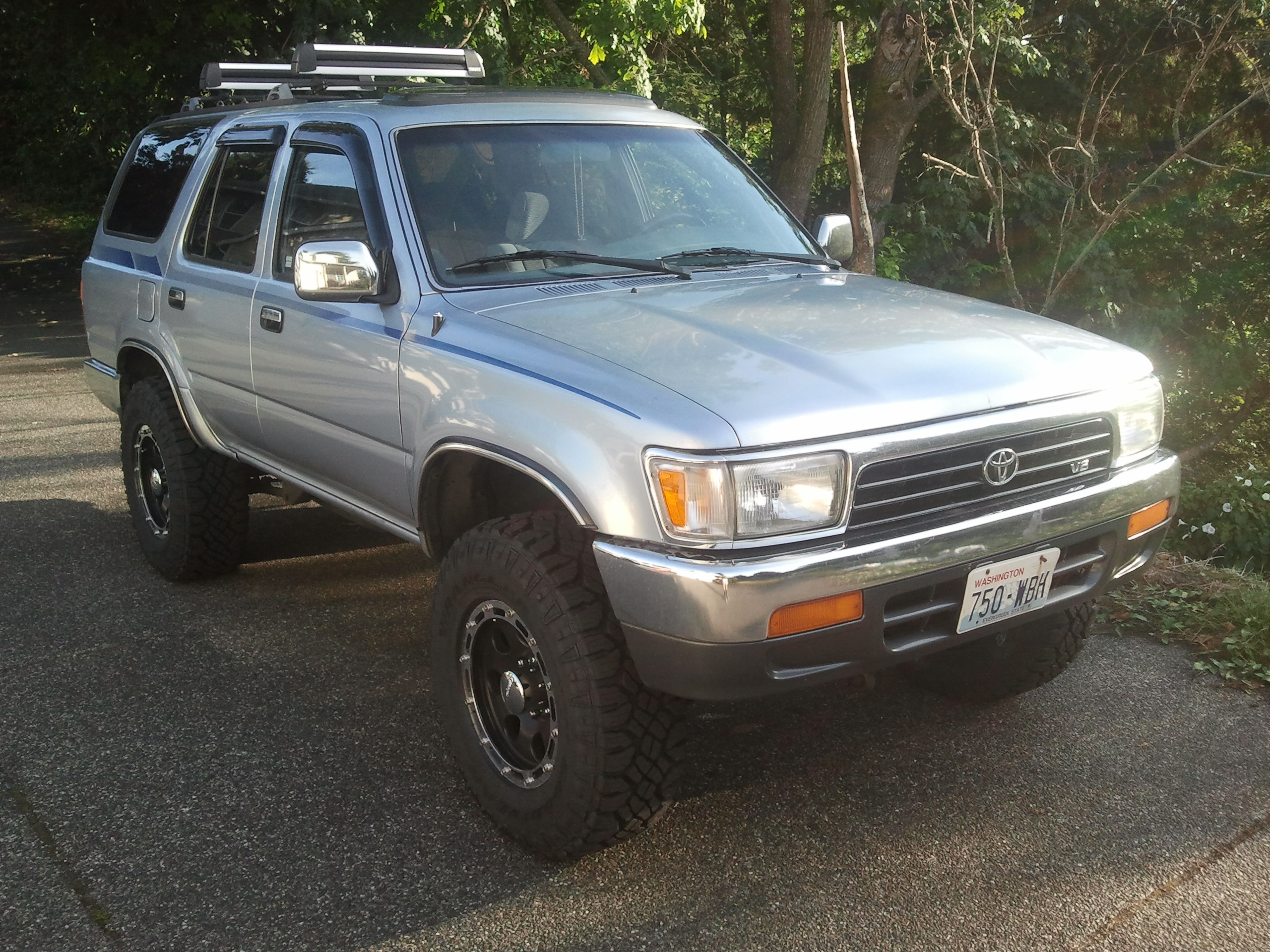 Runner94 1994 Toyota 4runnersr5 Sport Utility 4d Specs Photos Modification Info At Cardomain