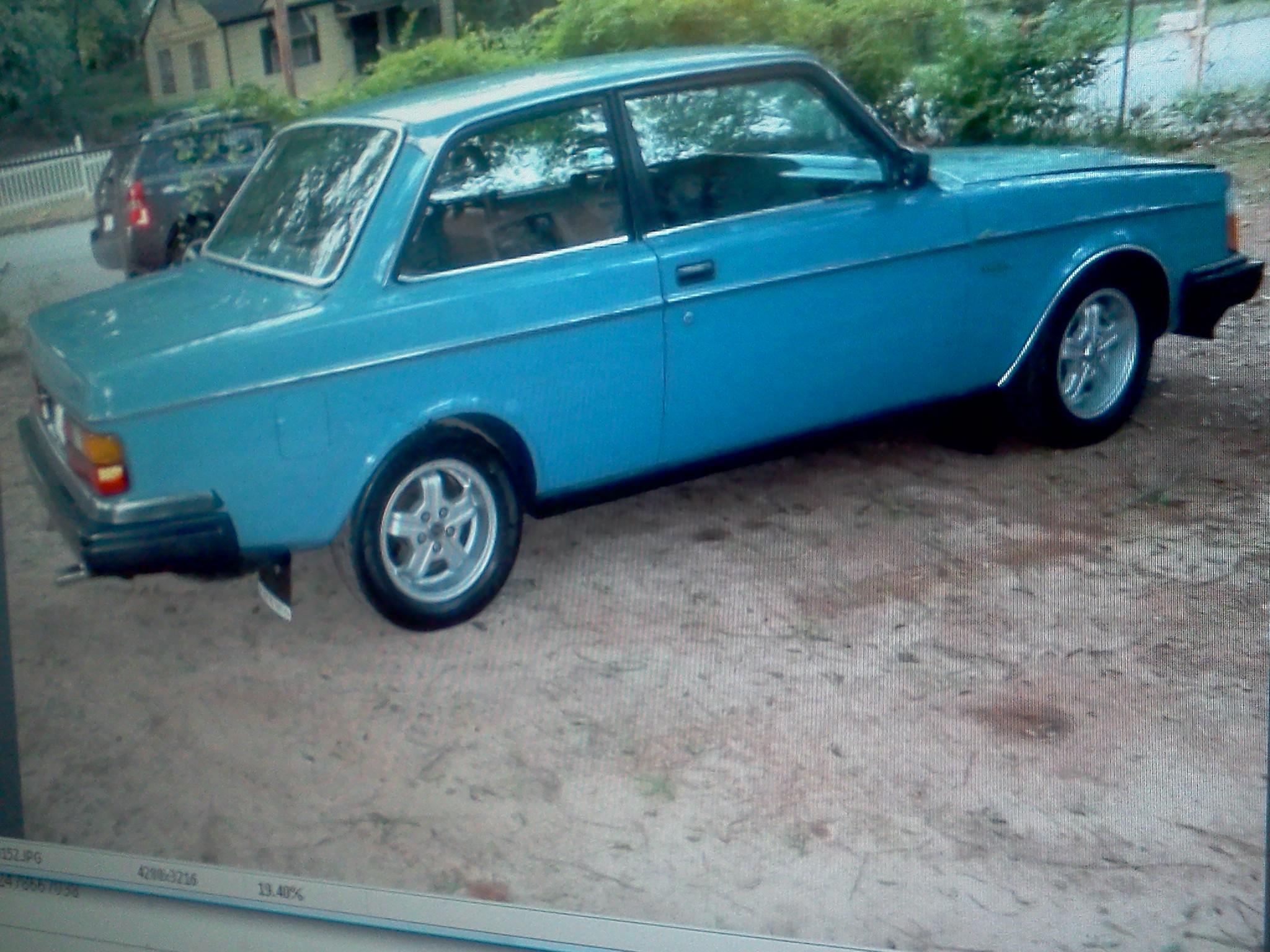 Another bandy 1982 Volvo 240 post... - 15276897
