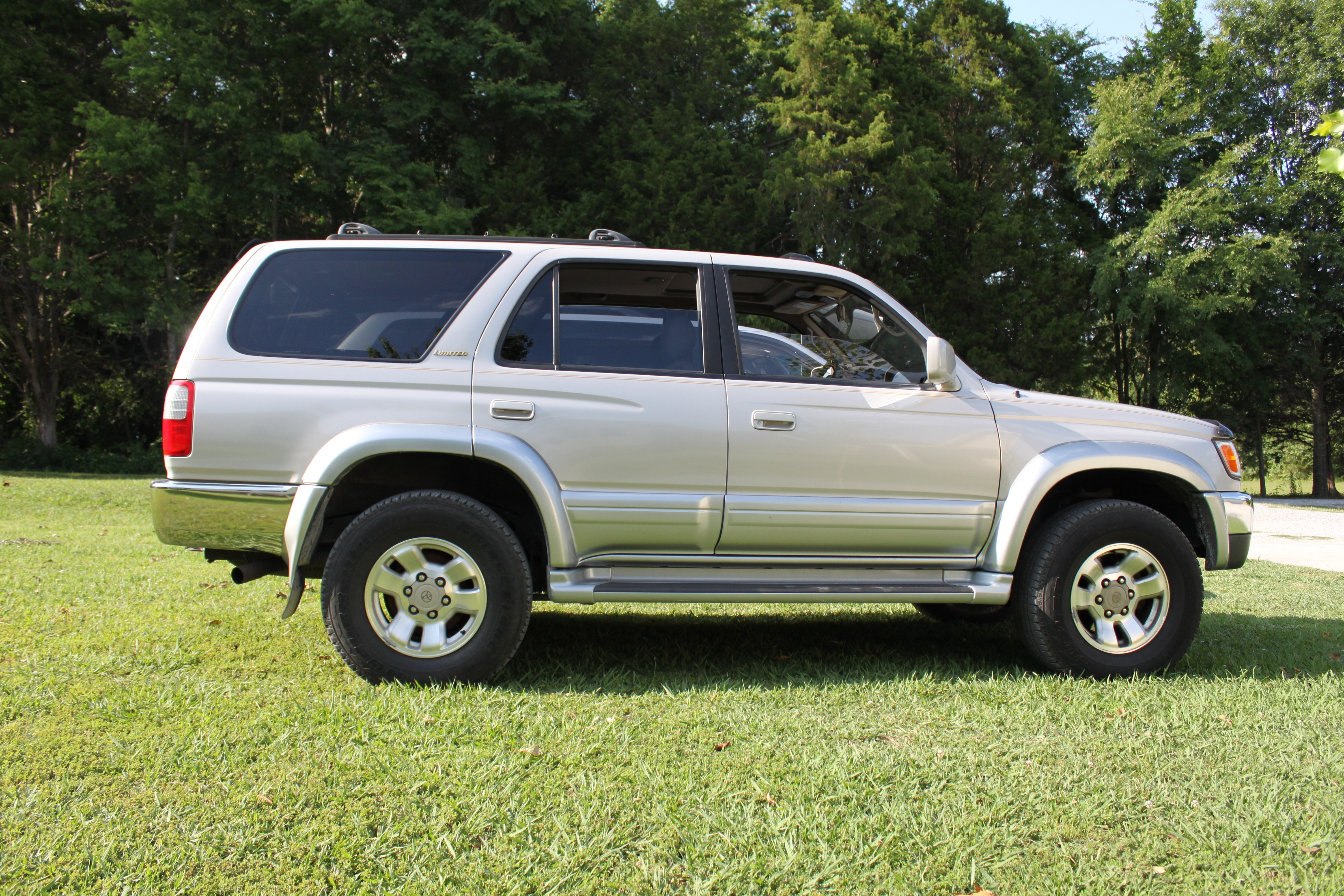 stc0006 1997 toyota 4runnerlimited sport utility 4d specs photos modification info at cardomain http www cardomain com ride 3939101 1997 toyota 4runner limited sport utility 4d