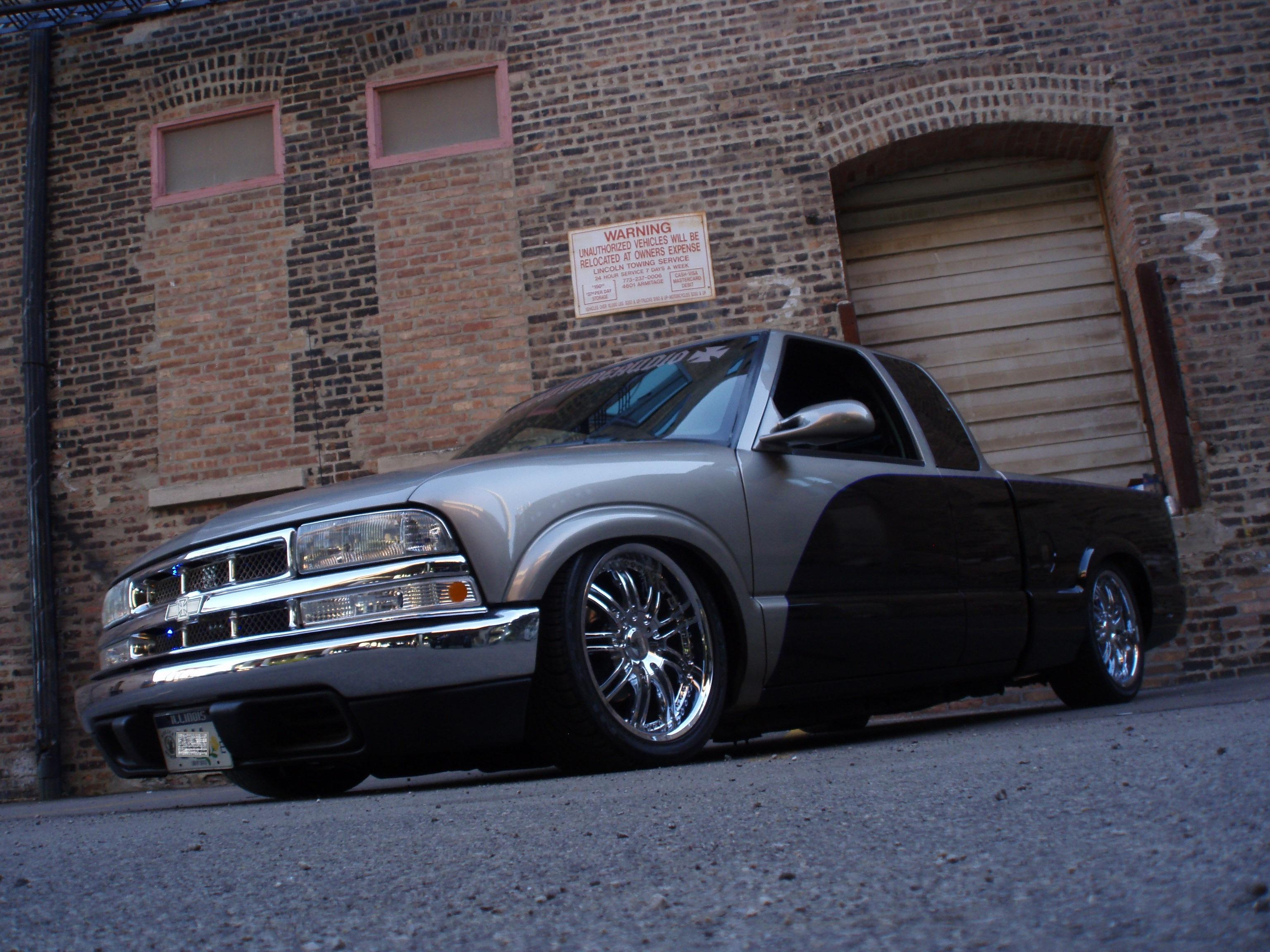 showtimejay 2002 Chevrolet S10 Extended Cab