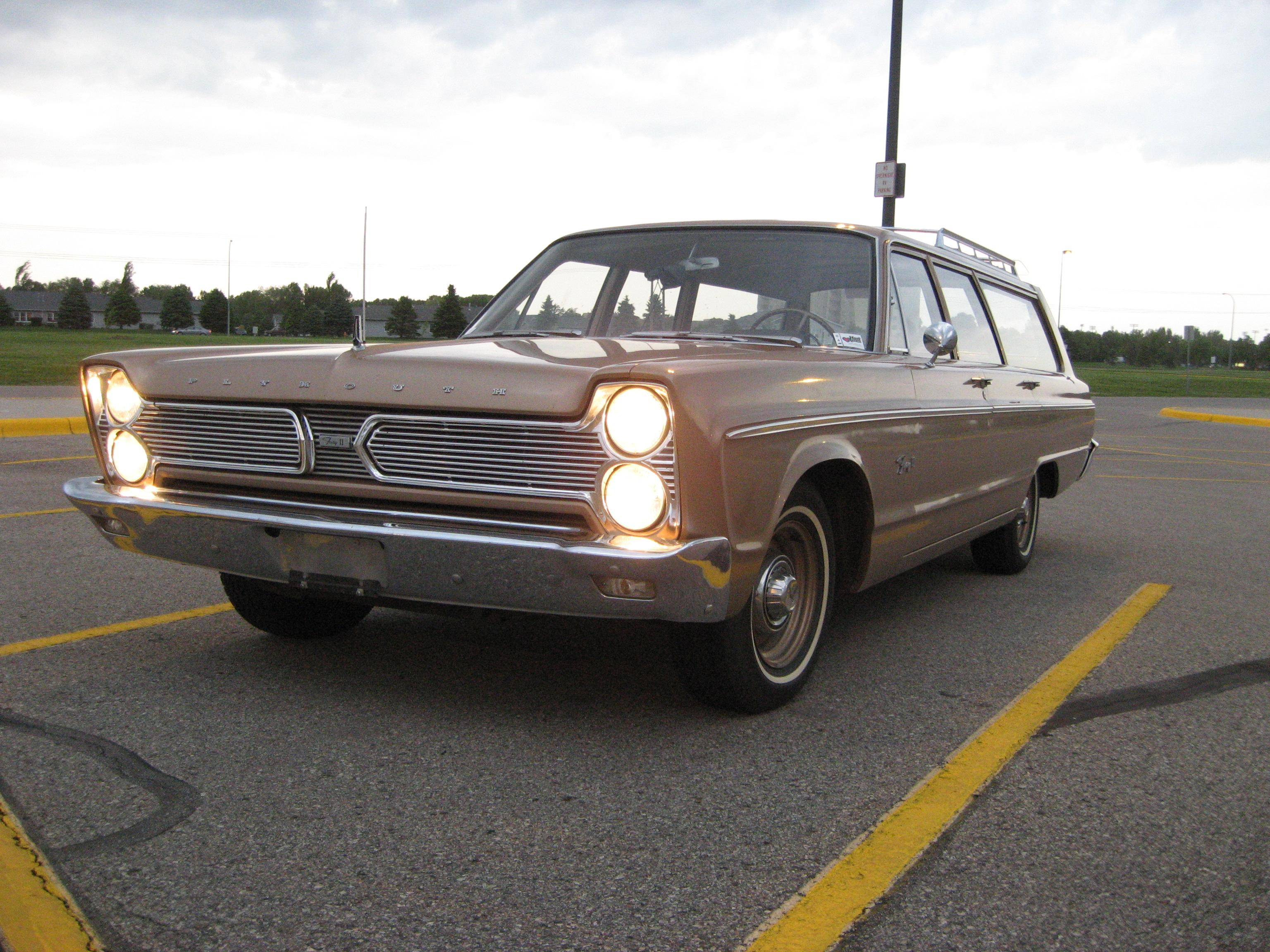 Timouth 1966 Plymouth Fury II