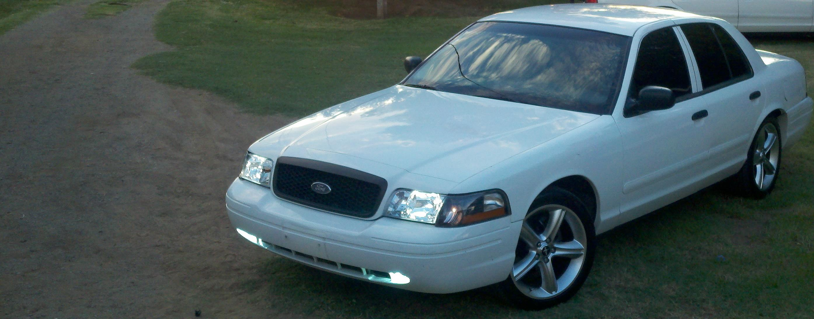Elcrownvic 2001 ford crown victoria