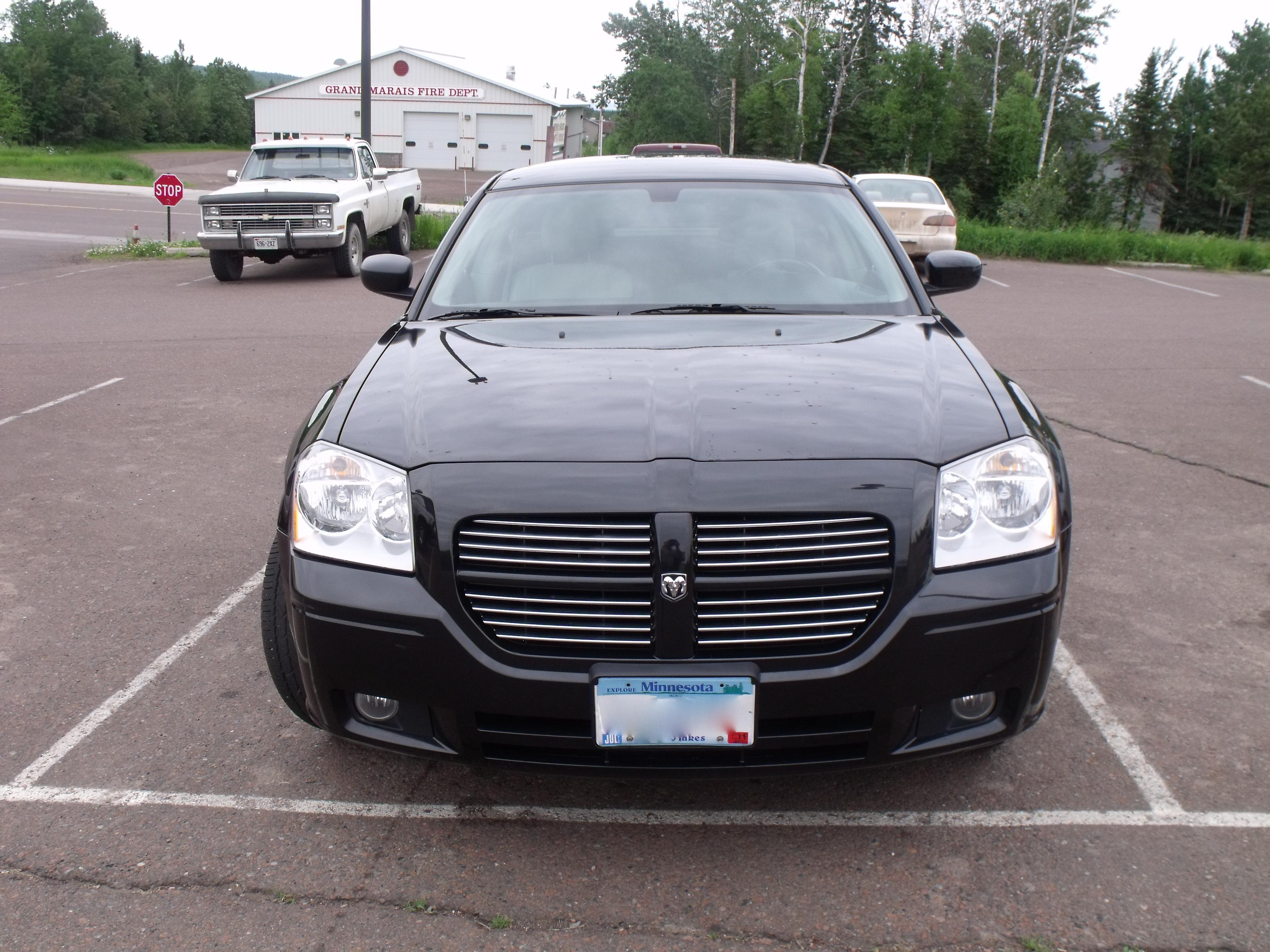 Timouth 2006 Dodge Magnum