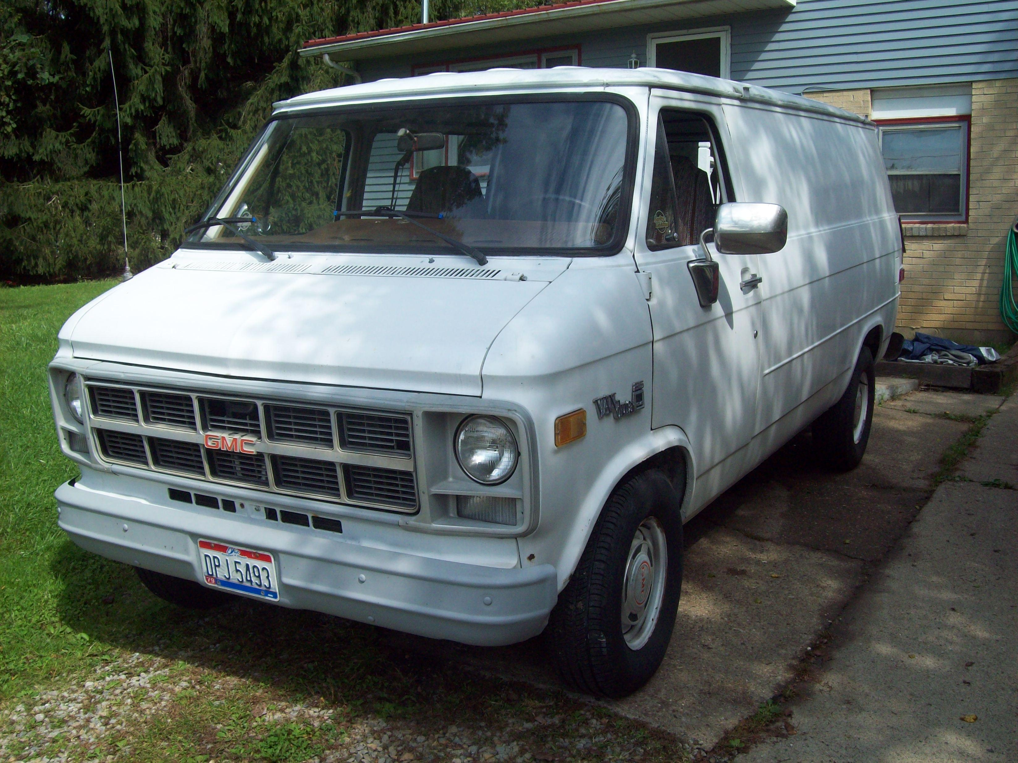 outafuel 1983 gmc vandura 2500 specs photos modification info at cardomain. Black Bedroom Furniture Sets. Home Design Ideas
