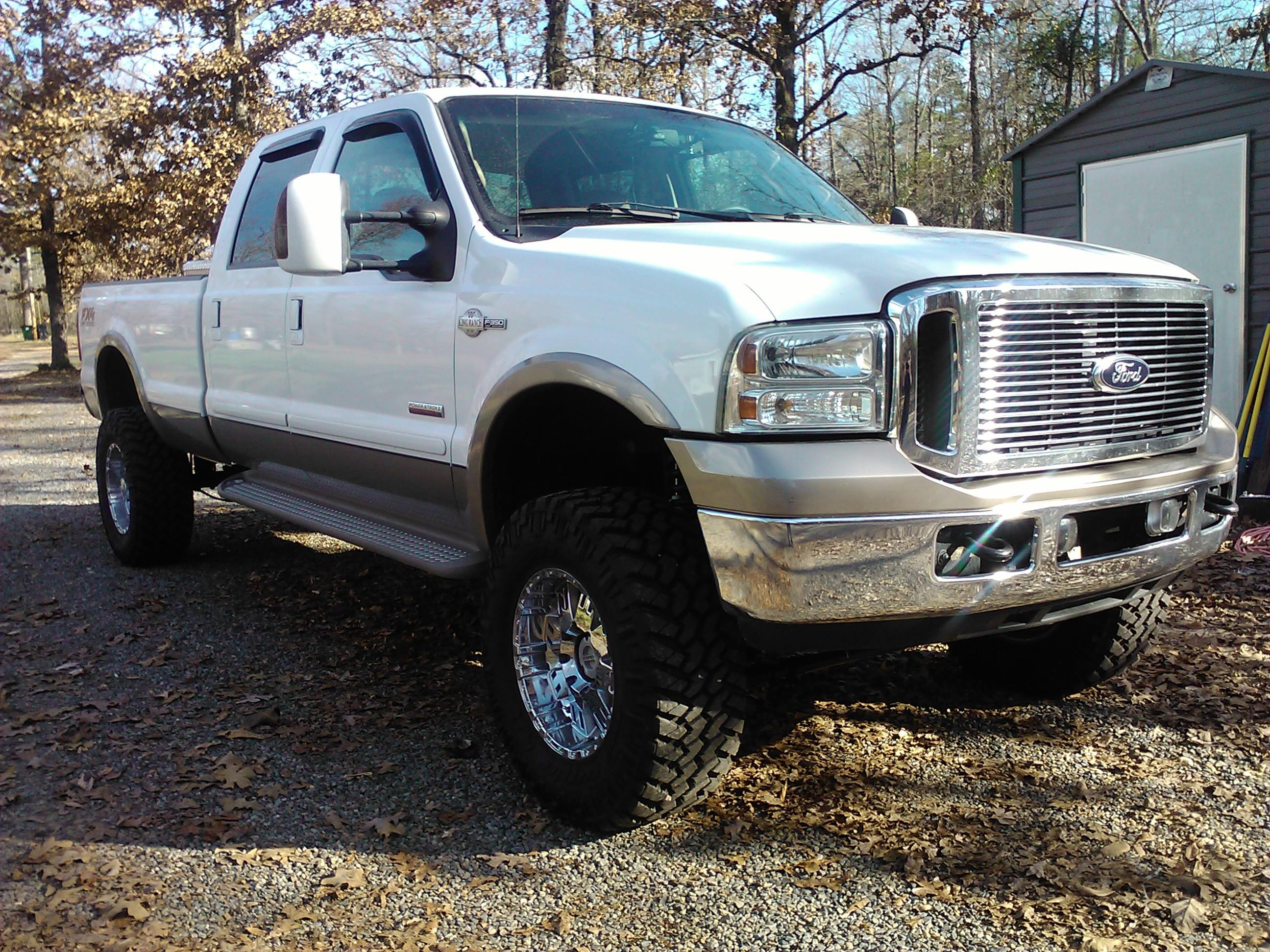 lucaseberry's 2006 Ford F350 Super Duty Crew Cab