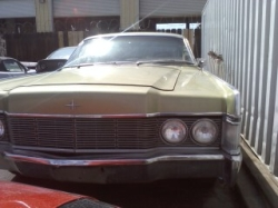 68 Lincoln Continental 460 http://www.cardomain.com/ride/3940788/1968-lincoln-continental/