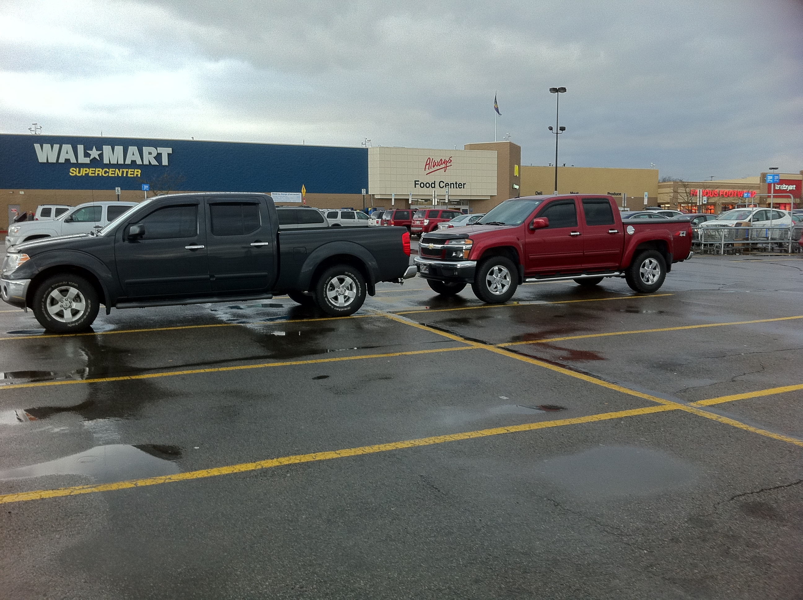 Nightarmor11 frontier crew cab long bed 4x4 sv nissan frontier forum at walmart in new castle pa comparing this colorado to my frontier there is no comparison and sadly they are not selling either vanachro Images