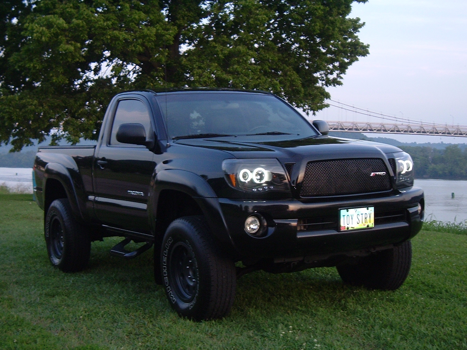 thoover43 2005 toyota tacoma xtra cab specs photos modification info at cardomain. Black Bedroom Furniture Sets. Home Design Ideas