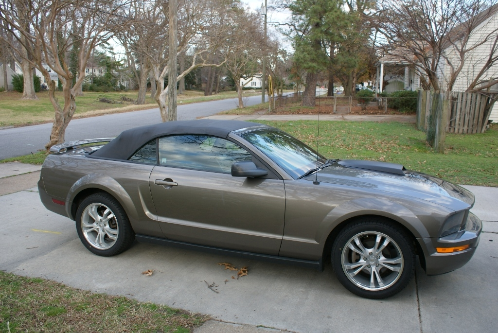Another Navybass65 2005 Ford Mustang post... - 15493400