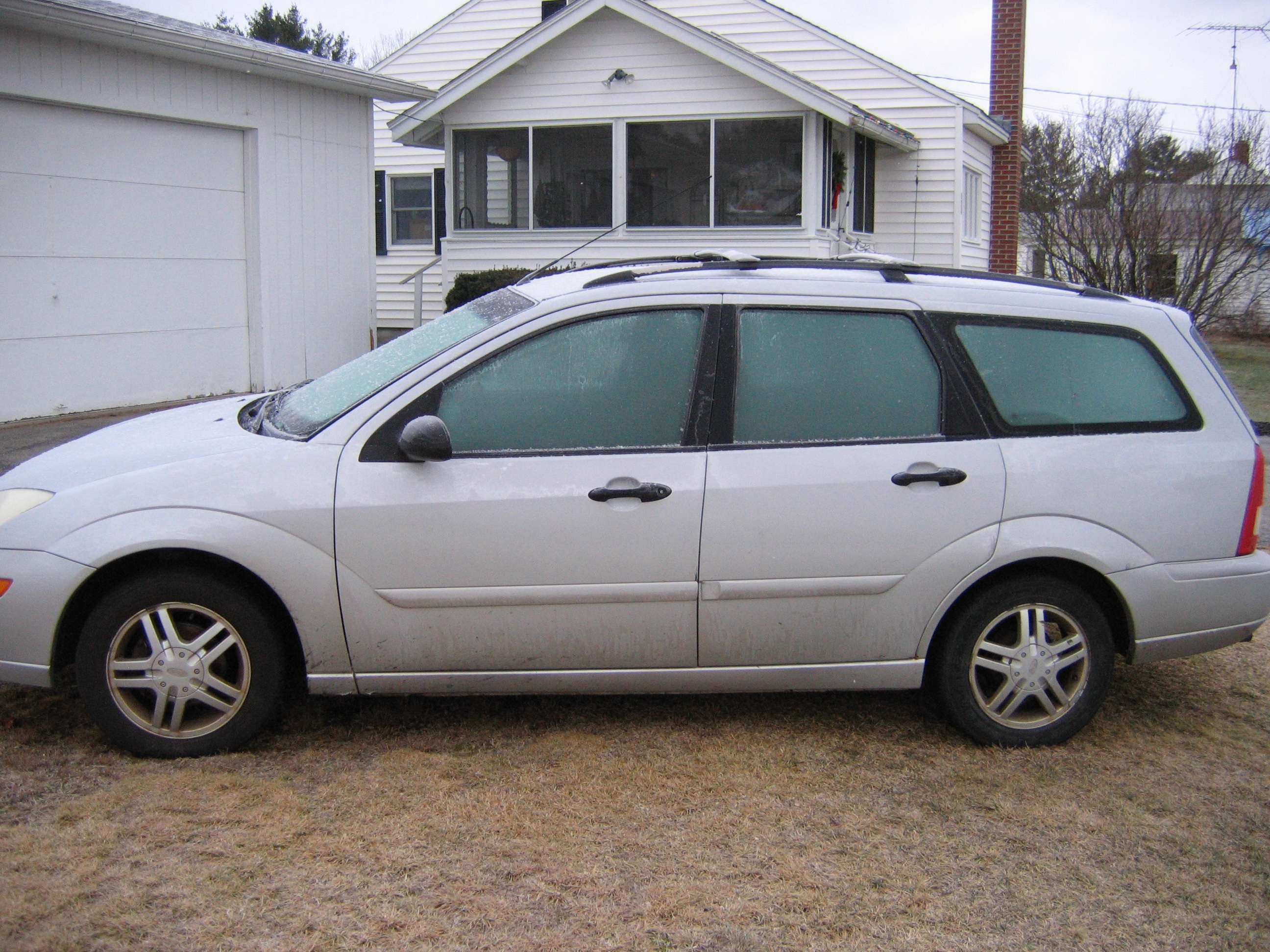 Another n00b_at_life 2001 Ford Focus post... - 15471835