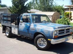 TheMovers 1989 Dodge D150 Club Cab