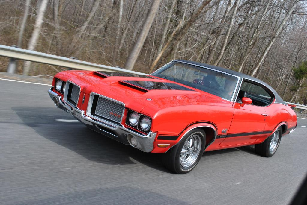 Settingthepace 1972 Oldsmobile 442 Specs Photos Modification Info At Cardomain