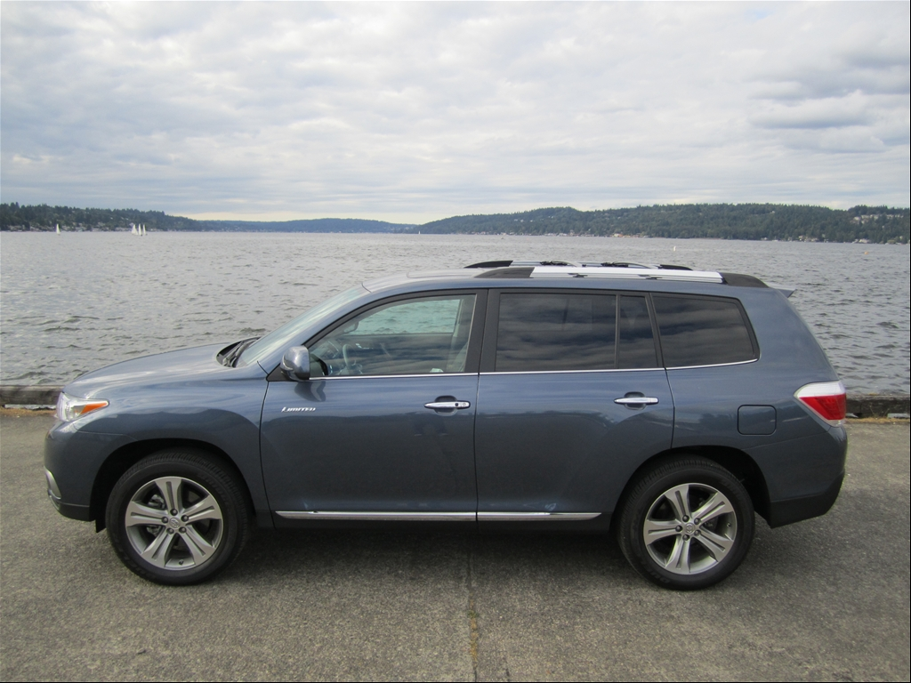 2011 toyota highlander limited 4x4 review autoholics. Black Bedroom Furniture Sets. Home Design Ideas