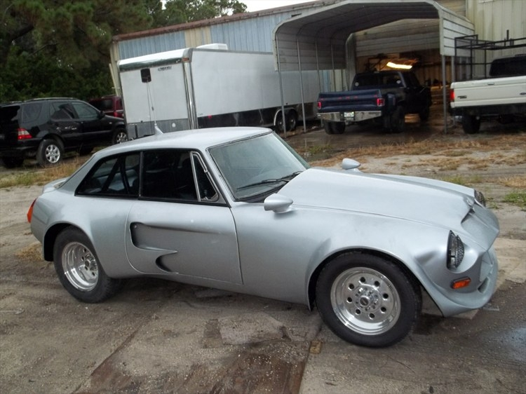 1967 MG MGB with Ford 5.0L V8 engine swap